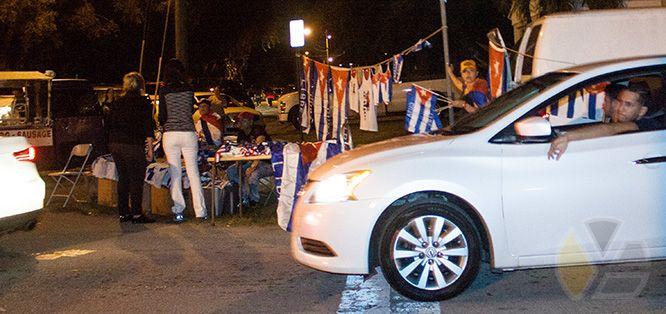 bandera_cubanas_cubana_cuba_versailles_yadira_escobar_blog_fidel_castro_muerto_dead_died_revolucion_cubanos_2016