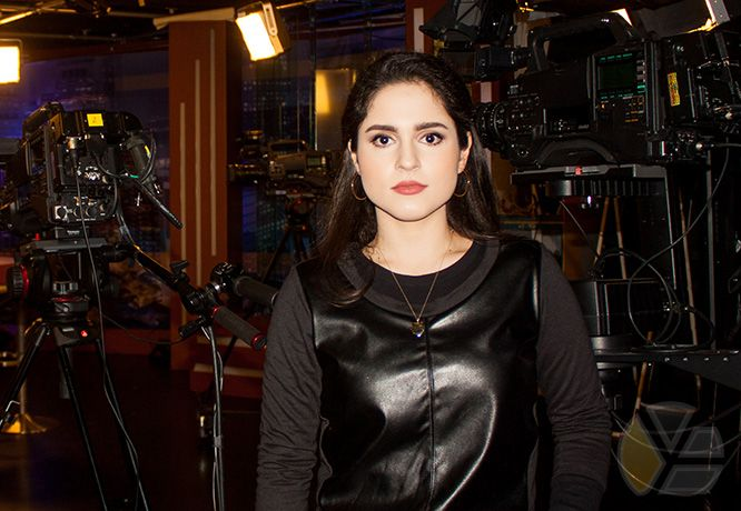 yadira_blog_escobar_yaya_tubella_fidel_castro_mira_tv_television_tele_camera_camara_estudio_studio