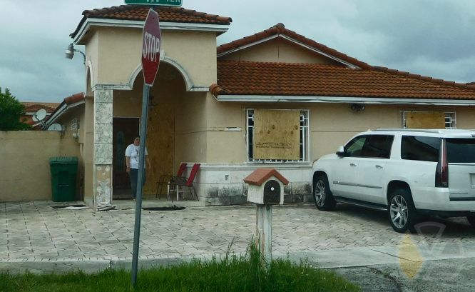 yadira_escobar_2016_hurricane_huracan_mathew_hialeah_gardens_blog_fotos