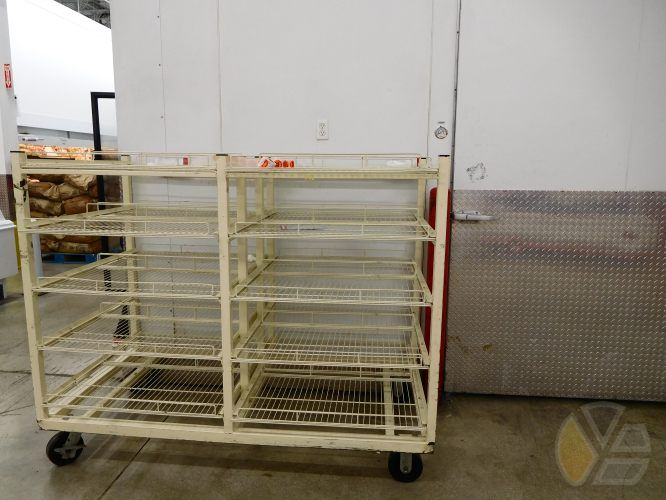 yadira_escobar_bjs_market_store_empty_bread_hurricane_mathew
